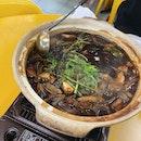 Chicken Pot At Kovan