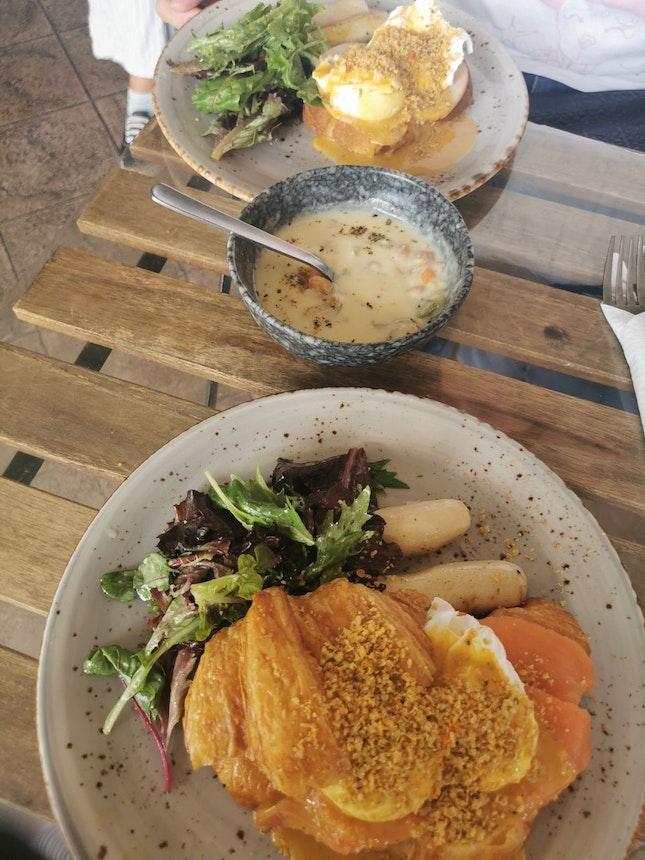 Western meal, brunch!!