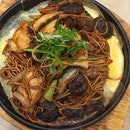 Me-time lunch is [Seafood Ee-Mian S$13.90] where there is a 30% discount during happy hour which is inclusive of lunch time!