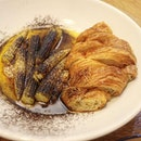 Baby sweet #corn, prawn head #butter, #cocoa powder and a fluffy #croissant to mop up all the yummy sauce!!