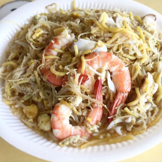 At Old Airport Road, I will usually order my wanton Mee from Cho Kee and Hokkien Mee from Nam Sing.