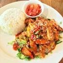 Dak-Galbi Rice (Small serving of stir-fried chicken) #korean #dakgalbi #rice #asian #food #kimchi #italian