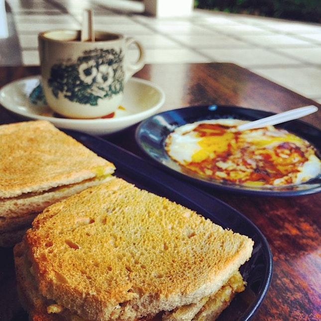 Morning breakfast :) #singapore #breakfast #kaya #butter #toast #kopi #egg #blessed