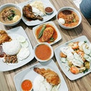 Bukit Panjang Hawker Centre & Market