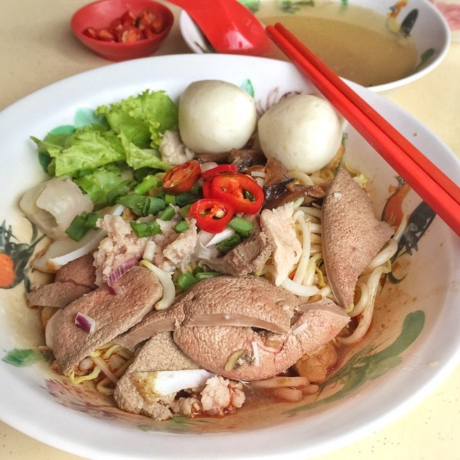 Old school Teochew Mee with lots of pork liver & pig's skin