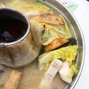 Charcoal Fish steamboat  _ Using Promfet, the fish is fresh and succulent.