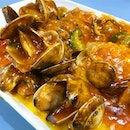 La La with Chilli Sauce _ Taste more like clams kn chilli crab sauce.