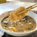 Fish maw soup _ Thick, juicy fish maw amidst a thick broth.