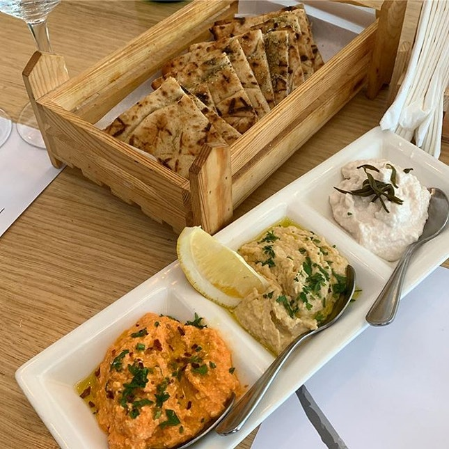 A one-off dining specialty & wine pairing on the last day of World Gourmet Summit 2019 @worldgourmetsummit at Bakalaki Greek Tavern @bakalakigreektaverna  _ We have a very long homestyle lunch, ending as dinner, by Chef Spiros Palailogos & amazing wine selection by Chris Paralanis.