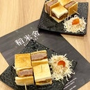 日本和牛三文治 Japanese Wagyu Sandwich $29.50 A5 Sendai Wagyu sandwiched between slice of crispy toasted sandwich.
