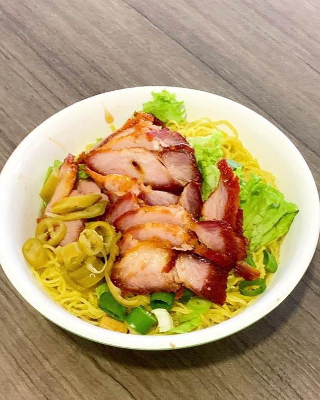Charcoal grilled Char Siu w Egg noodles _ Love to have good Egg noodles w soya & lard, just to savour the texture & flavour of the egg noodle.