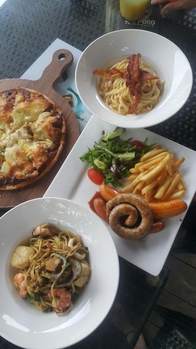 Cafe Comfort Food