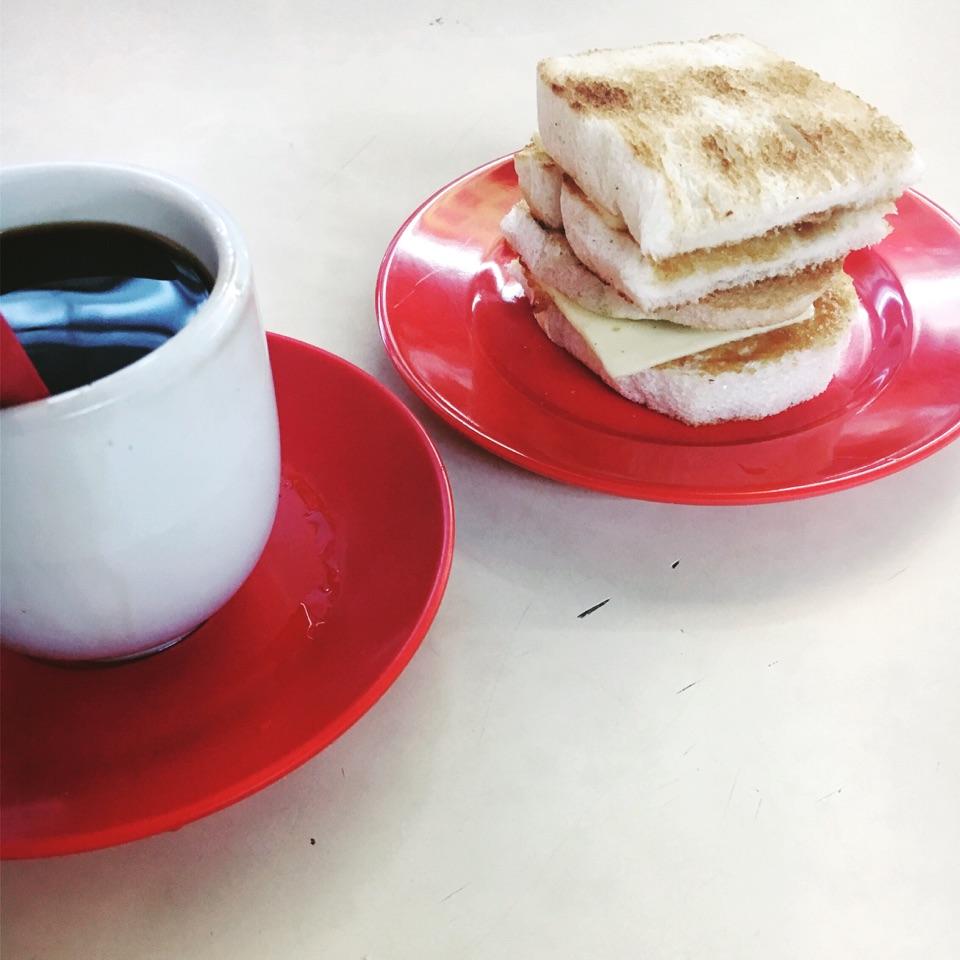 Kopi O Kosong and KayaButter Bread ($2.30)