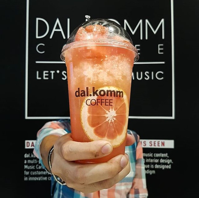 Trying out this signature Honey Grapefruit drink here at Dal.Komm Coffee.