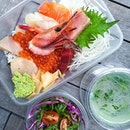 Chirashi Don ($35) from @chottomattesg delivered right to my doorstep this fine Wednesday for lunch!