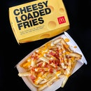 @mcdsg's version of CHEESE FRIES at $3.90, great effort - tastes similar to the other fast food restaurant that serves fried chicken, but way lesser cheese and mayo.