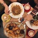 Laksa pasta, Molly's platter and tenderloin steak for halloween dinner 🍽 Enjoy the the last day of October!👻