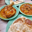 Look at those crispy #prata & the #curry.