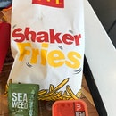 yeah, seaweed mc shaker fries 😋 anyone like this too?