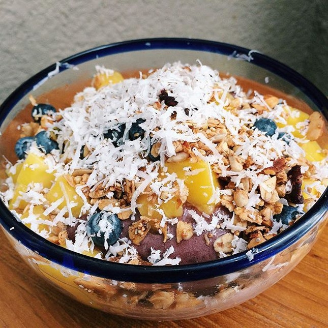 Acai Super Bowl from Super Loco – mango, blueberries, coconut, quinoa, chia, granola and buckwheat.