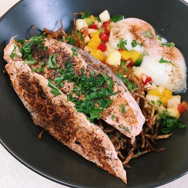Flashback Friday: South China Sea from Merchant's Lane - grilled salmon served with 53 celsius degree egg, salsa and homemade hash.