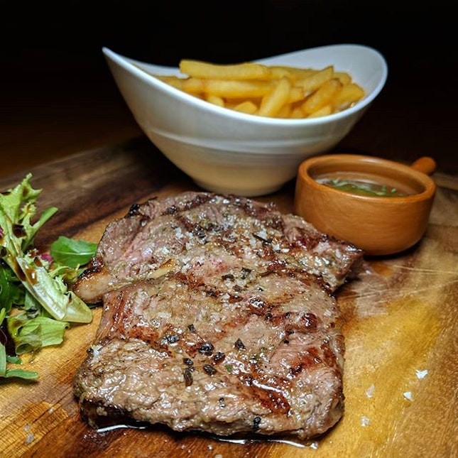 The Early Feedback: US Black Angus Entrecote ($22), with separate payable add-ons Pomme Frites with Truffle Oil ($9) and Salsa Verde ($4) from Mu Modern Cuisine, new along Mohammed Sultan Road.