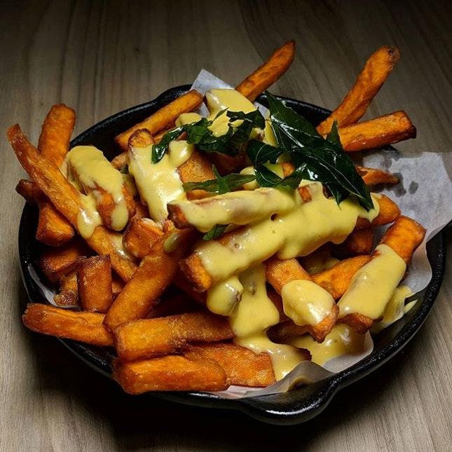 The Early Fatback: Salted egg yolk sweet potato fries from Sauté Singapore (@saute.sg), a vegetarian bistro situated within Bugis Cube.