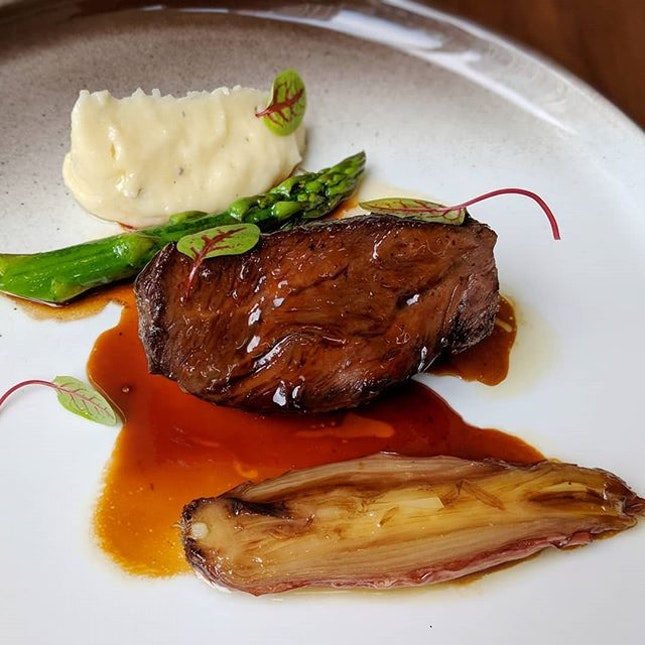 The Early Fatback: Joue De Bouef (48-hr Slow-cooked Wagyu Beef Cheek with Truffled Mash Potatoes and Glazed Seasonal Vegetables) from Racines, the French-Chinese restaurant at Sofitel Singapore City Centre (@sofitelsingaporecitycentre).