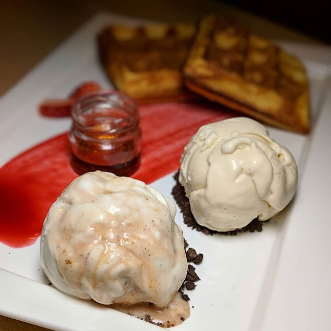 Chee Cheong Fun (?!) And Pipa Gao Ice Cream on French Waffle from Tom's Palette (@tomspalettesg).