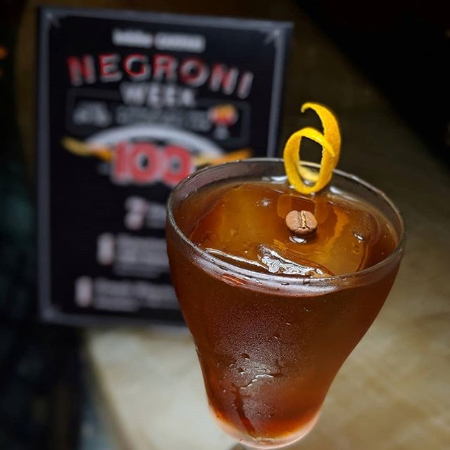 Fatback Ears Down: Coffee Negroni, a concoction specially created for this year's Negroni Week by Chihuly Lounge, Ritz-Carlton Millenia Singapore (@ritzcarltonmilleniasingapore).