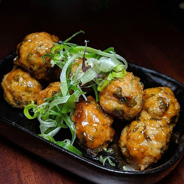 Nonya-style Chicken Meat Balls from Cook & Tras Social Library, Six Senses Maxwell (@cookandtras).
