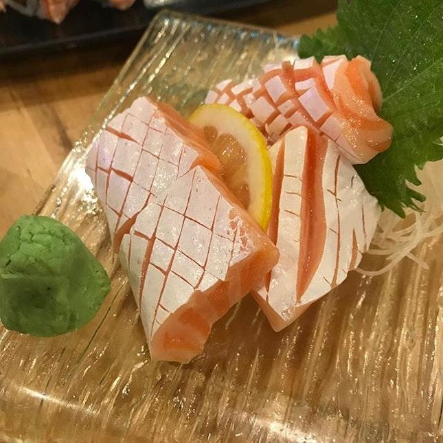I love this salmon belly sashimi!!!
