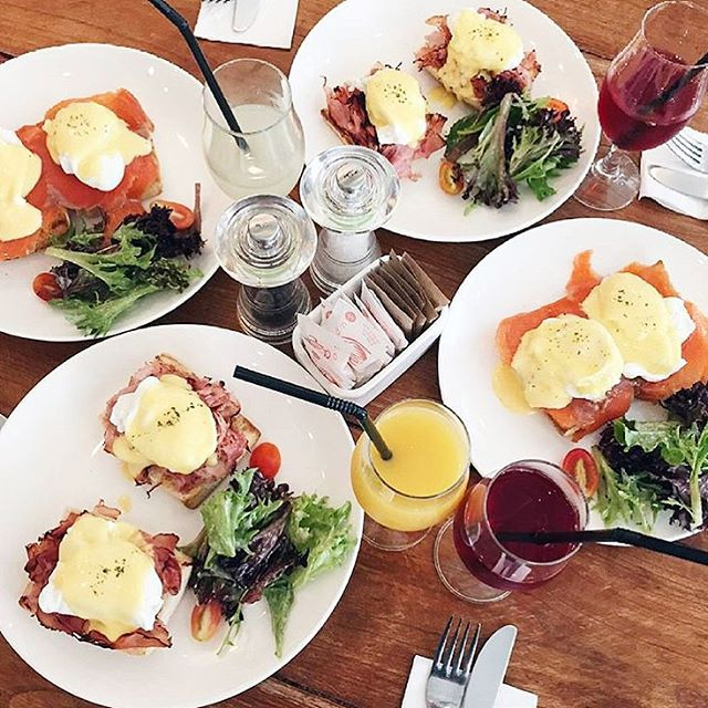 • Eggs Benedict Madness🍳 • ➖➖➖➖➖➖➖➖➖➖➖➖➖➖➖➖ Seriously they are mad for Egg Benedict!😮 But I love it too and I totally can imagine the egg porn happening all at once!😁 And, I am so excited about the direction SGfoodiary is heading towards.