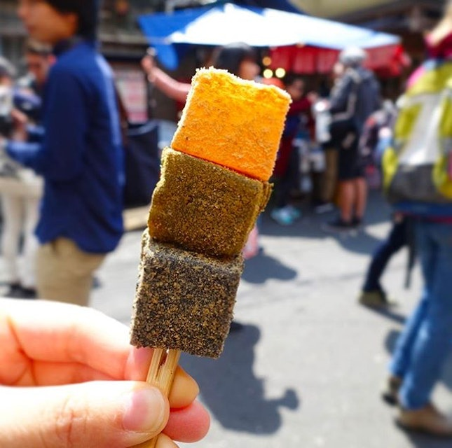 Warabimochi in 3 flavours - soy bean, green tea & black sesame.