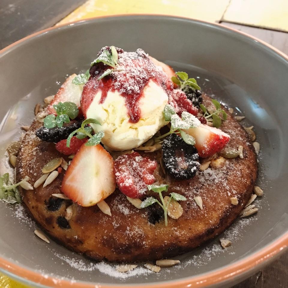 Berries & Ricotta Hotcake