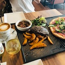 Ribeye Steak & Parma Ham Pizza