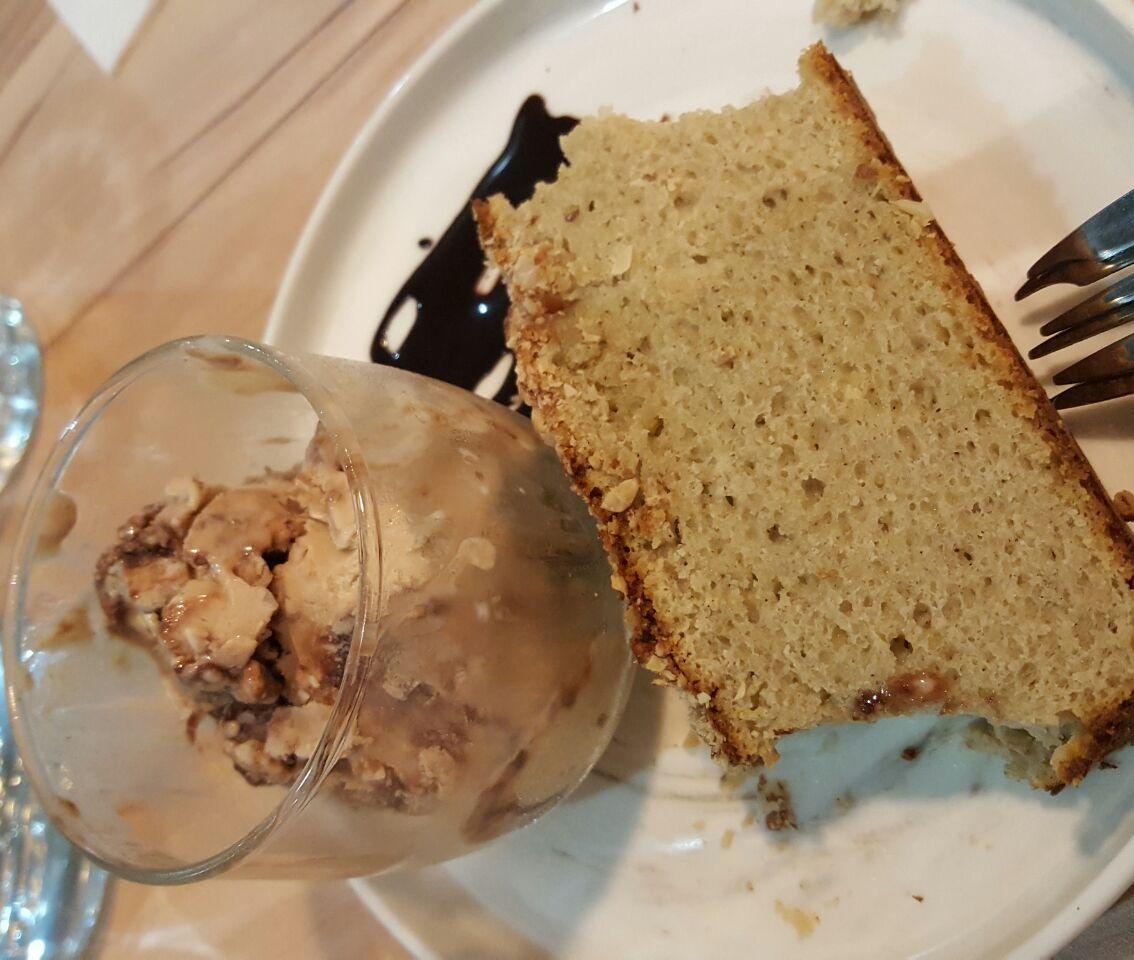 Moist Banana Cake With Ferrero Ice Cream