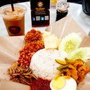💕 Nasi Lemak 💕 Quick lunch at the airport.