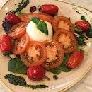 Mozzarella e Pomodoro [$18]