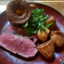 Grass fed sirloin (200g), with watercress, roast potatoes, yorkshire pudding & traditional gravy