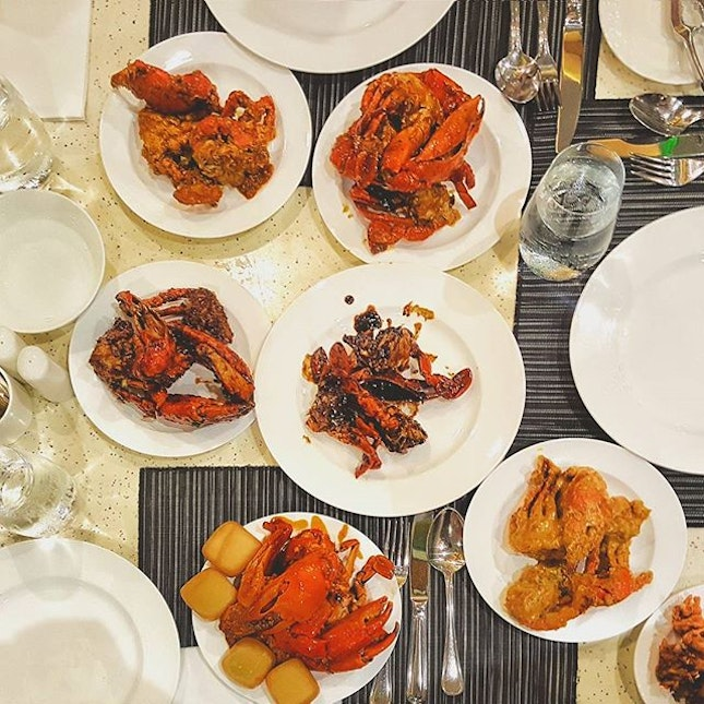 For #Crab cravings that can't be ignored #crabsgalore #ultimatecrabfeast #parkroyalbeachroad #burpple #mychefstable #buffet #flatlay #food