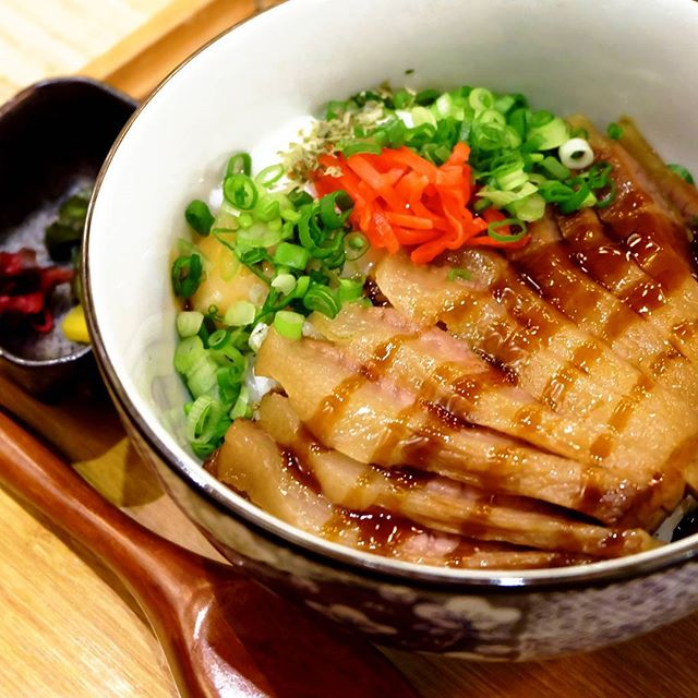 Who can resist a good bowl of Chashu don?! Not me that's for sure. [Lunch Set]