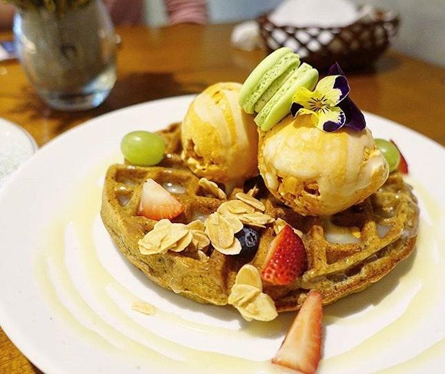 THANK YOU Darling for the Birthday Dinner 😘 Earl Grey Waffles with Thai Milk Tea Ice-Cream 🍧  #waffles #icecream #desserts #dessert #sgfood #sgfoodies #sgfoodporn #foodporn #food #foodie #foodsg #thegrowingbelly #peanutloti #burpple #burpplesg #foodstagram #sgig #foodie #instafood #whati8today #instafoodsg #8dayseat #sg #delicious#foodpic #foodpics #sgcafe