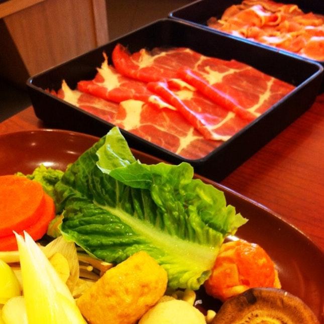 Eat-all-you-can Sukiyaki & Shabu Shabu