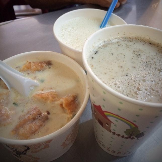 Soya bean milk breakfast