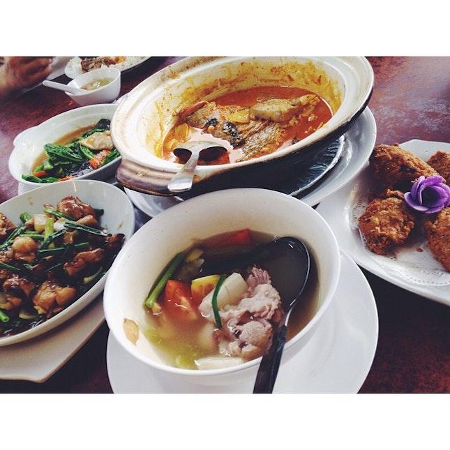 Frog • Fish • Chicken • Vegetables •  #food #eatisalliknow #awesome familydinner