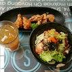 Bibimbab X Fried Wings X Lemon Tea