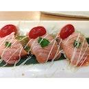 The ever so tasteful salmon carpaccio.