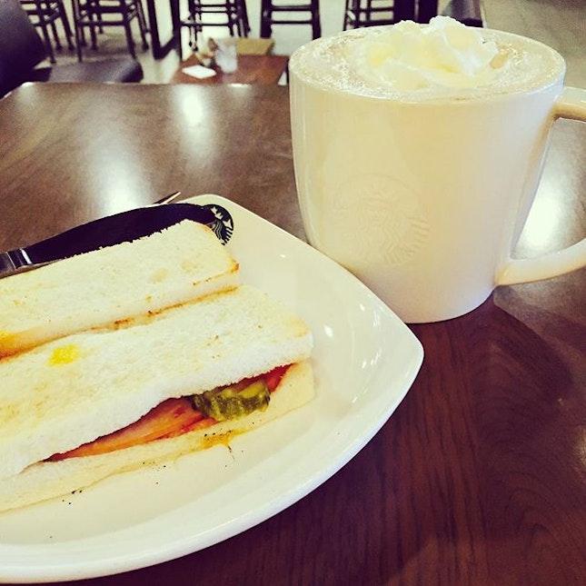 All breakfast should be at Starbucks 💕🔥👍🏼 すべての朝食はスターバックスにする必要があります