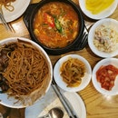 Jjajangmyeon (짜장면), Soybean stew with beef (된장찌개)